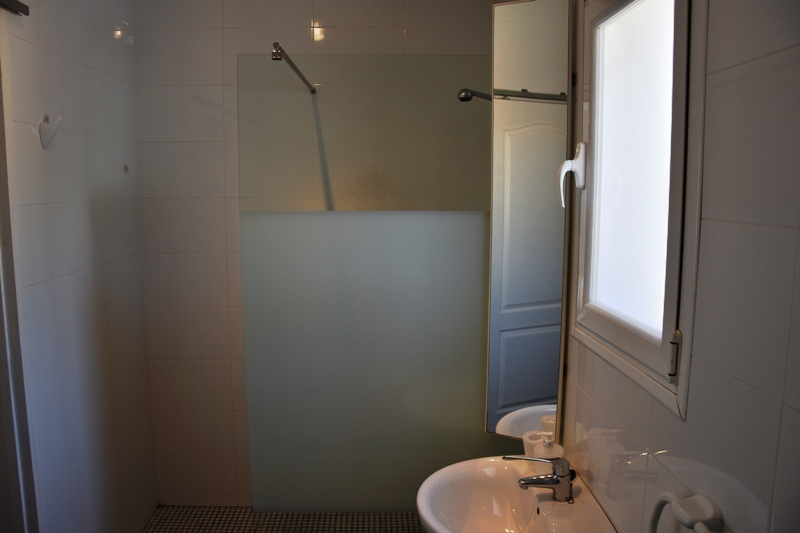 B&B Calpe bathroom suite 5